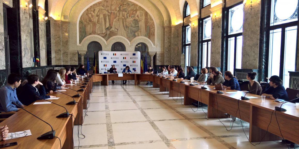 Tinerii au dezbătut pe tema economiei circulare în cadrul Primăriei Sectorului 1